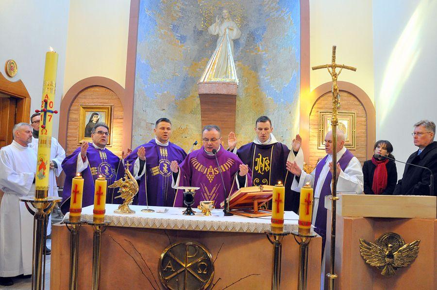 EEEEWielkopostne ćwiczenia duchowe dla członków i sympatyków Akcji Katolickiej w Turnie