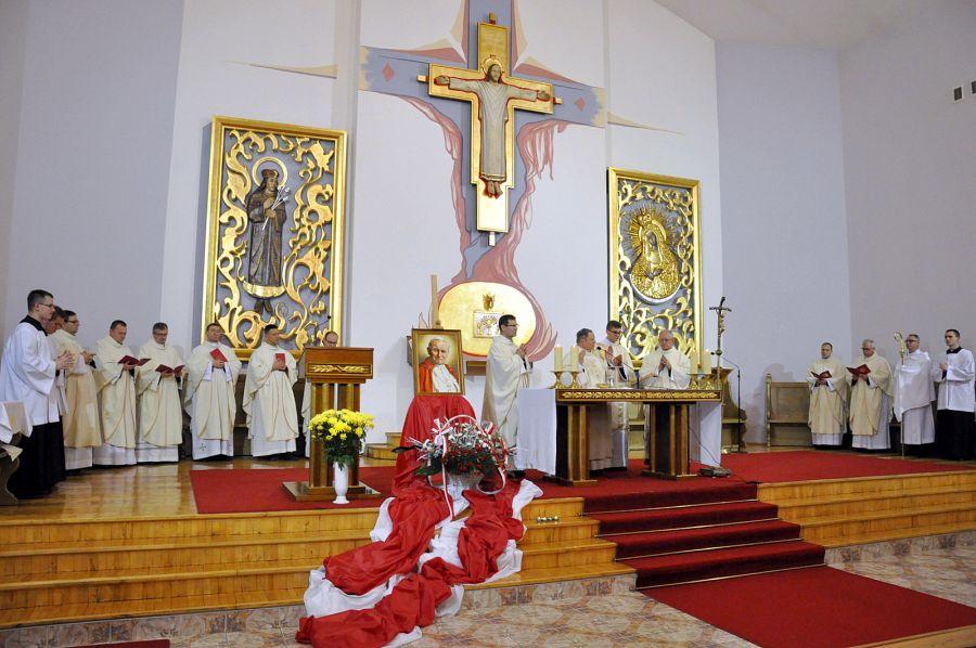 """EEEE""""Modlitwą i czynem zmieniać świat"""". W Radomiu świętowała Akcja Katolicka"""