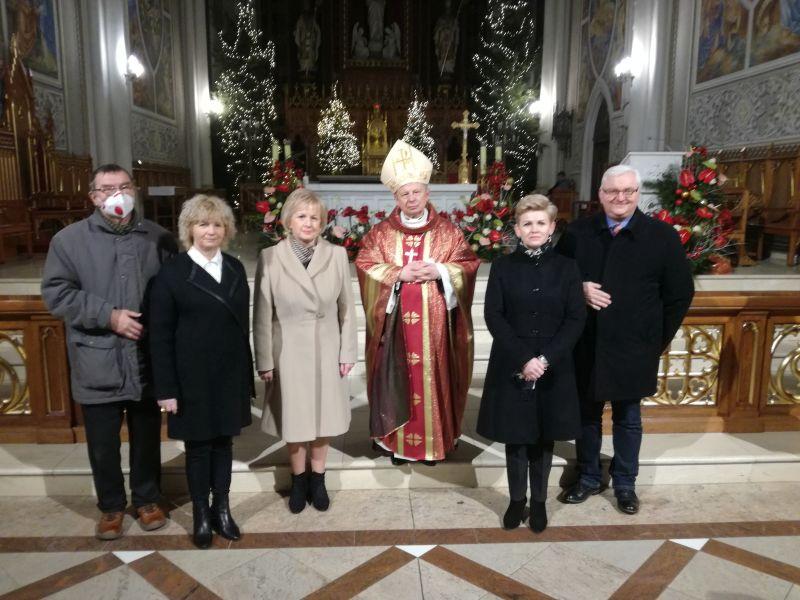 EEEEDziękujemy, Czcigodny Księże Biskupie!